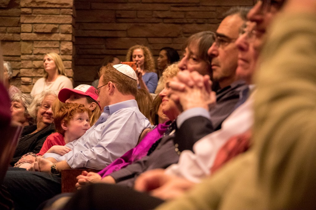 A vigil at Temple Emanuel in Denver's Hilltop neighborhood for the victims in a mass shooting at a Pittsburgh synagogue, Oct. 28, 2018. (Kevin J. Beaty/Denverite)