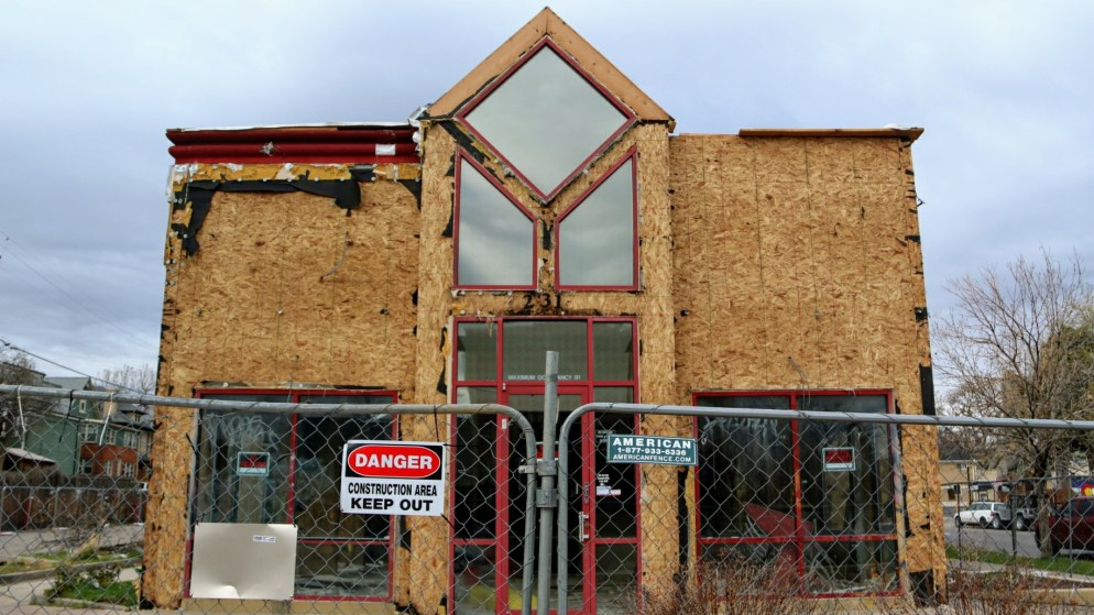 Something's finally replacing the vacant Arby's at Colfax and York. (Kevin J. Beaty/Denverite)