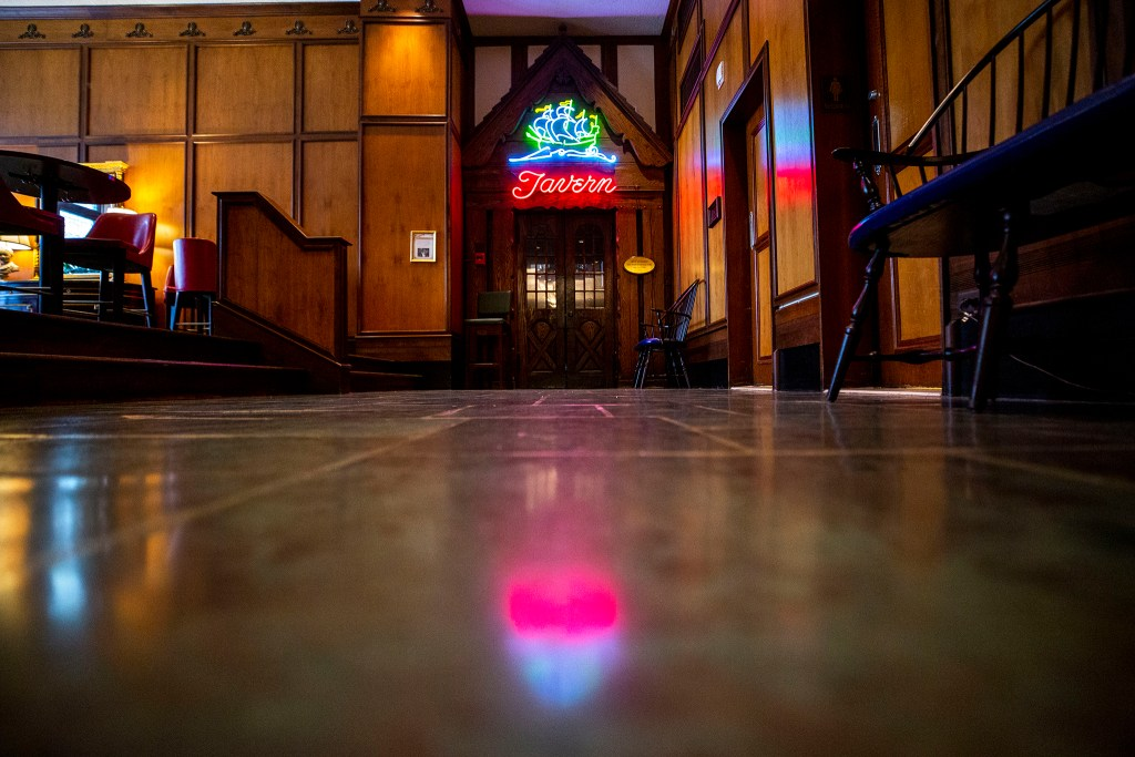 The Ship Tavern at the Brown Palace is closed, March 19, 2020. (Kevin J. Beaty/Denverite)