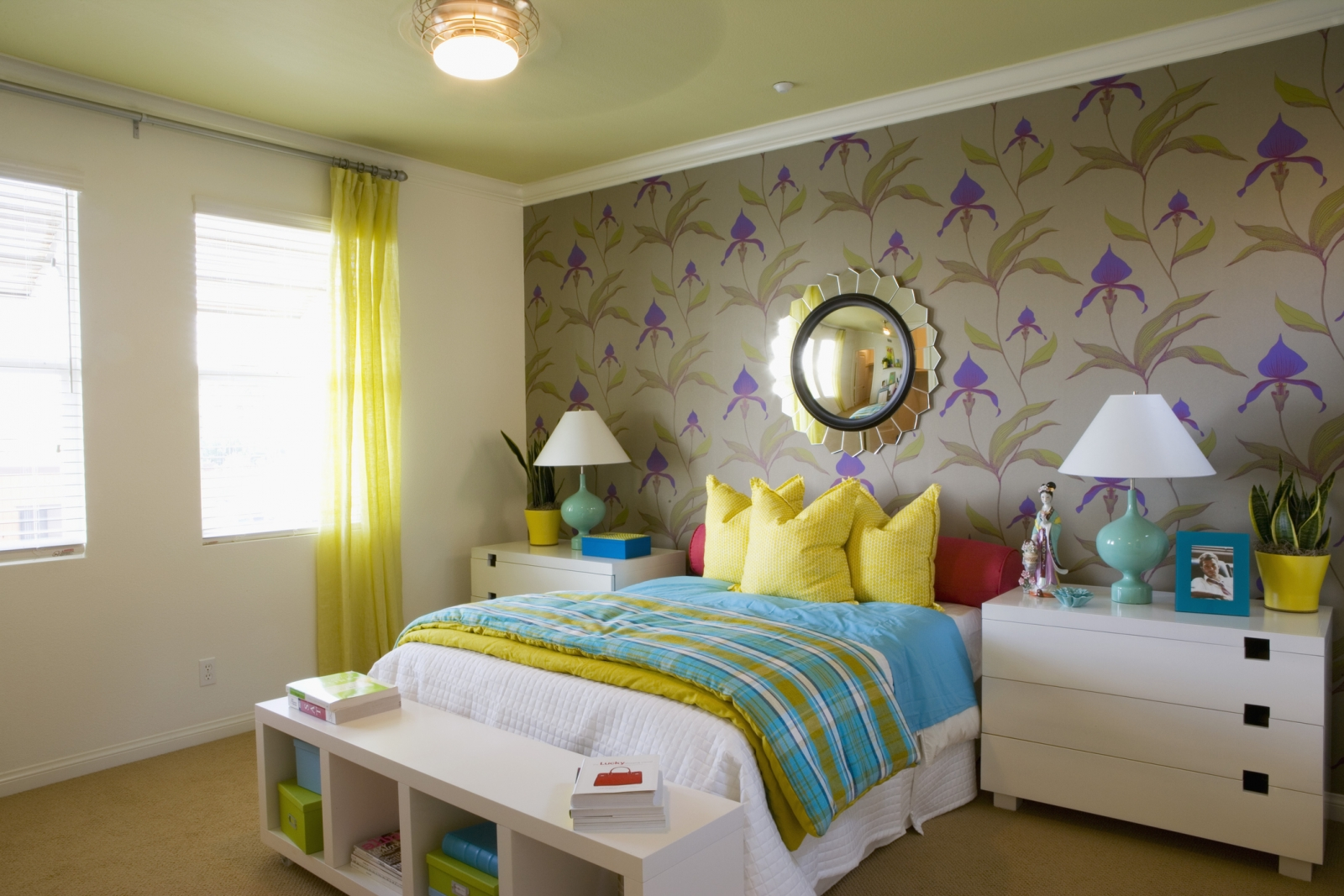 Removable Wallpaper Is Easy Temporary Decor For Renters Streeteasy