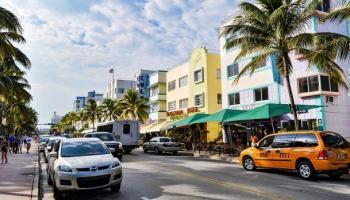 ¿Dónde buscar una escuela de conductores en la Florida?