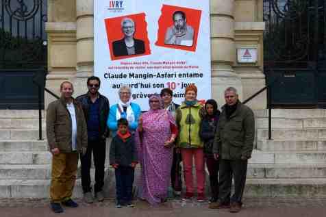Claude Mangin-Asfari, épouse du militant sahraoui Naâma - emprisonné depuis 2010 - et professeure d'histoire-géographie, a débuté le 18 avril dernier une grève illimitée de la faim au sein de l'hôtel de ville. Soutenue dans sa démarche par la municipalité, elle réclame un droit de visite à son mari que les autorités marocaines refusent de lui accorder depuis octobre 2016, le 28 avril 2018 à Ivry sur Seine, France. - Elise hardy/Gamma-Rapho