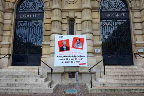 Claude mangin, épouse du militant sahraoui Naâma - emprisonné depuis 2010- et professeure d'histoire-géographie, a débuté le 18 avril dernier une grève illimitée de la faim au sein de l'hôtel de ville. Soutenue dans sa démarche par la municipalité, elle réclame un droit de visite à son mari que les autorités marocaines refusent de lui accorder depuis octobre 2016, le 28 avril 2018 à Ivry sur Seine, France.