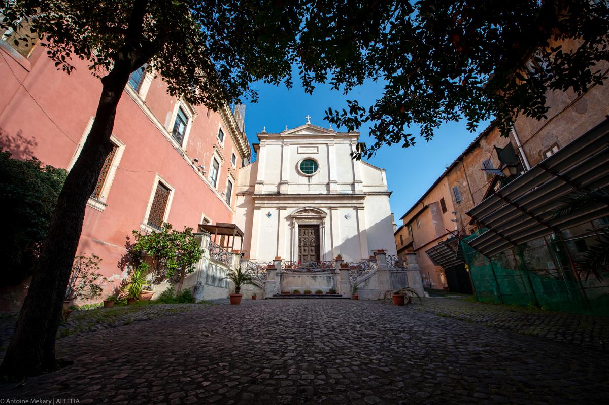 "Virtually visit San Lorenzo, on the street of ""bread and ham"""