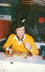 Altijd een goede eter geweest! Ergens in een Luxemburgs wegrestaurant (1975)