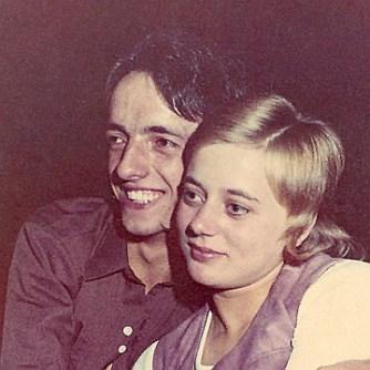 Mijn Nonkel Paul (met vriendin Betty) Hij heeft mij in contact gebracht met electronica dat mijn latere leven bepaalde Overleden op 4 januari 1974. Amper 24 jaar