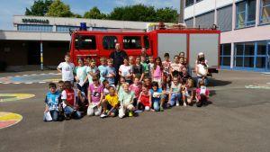Feuerwehr besucht die Grundschule Moorbachtal