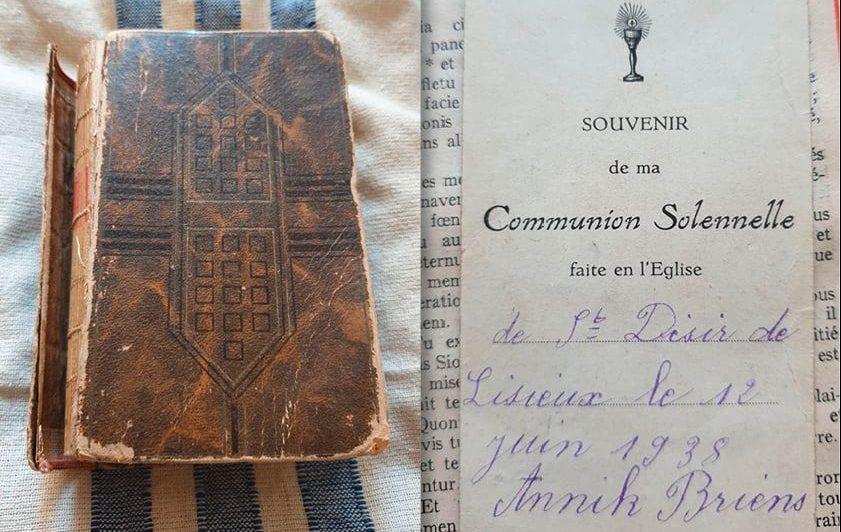 Une bible découverte par un vétéran britannique retrouve son propriétaire