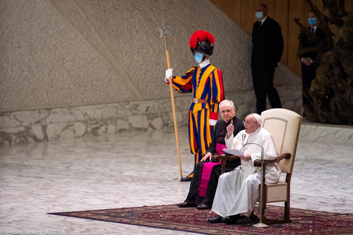Le pape prie pour les élèves assassinés du Cameroun