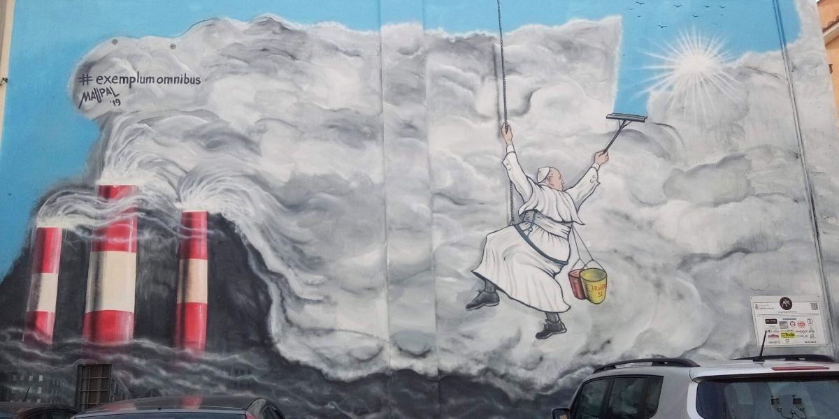 Le pape François, superstar des murs de Rome