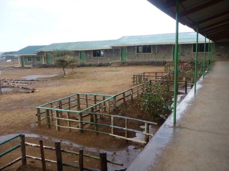 Der Schulhof Im Herbstregen