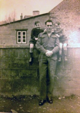 Tom-Thomas-in-Wales-1944