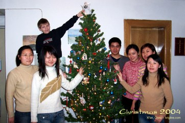 2004Xmas-students-728_j11
