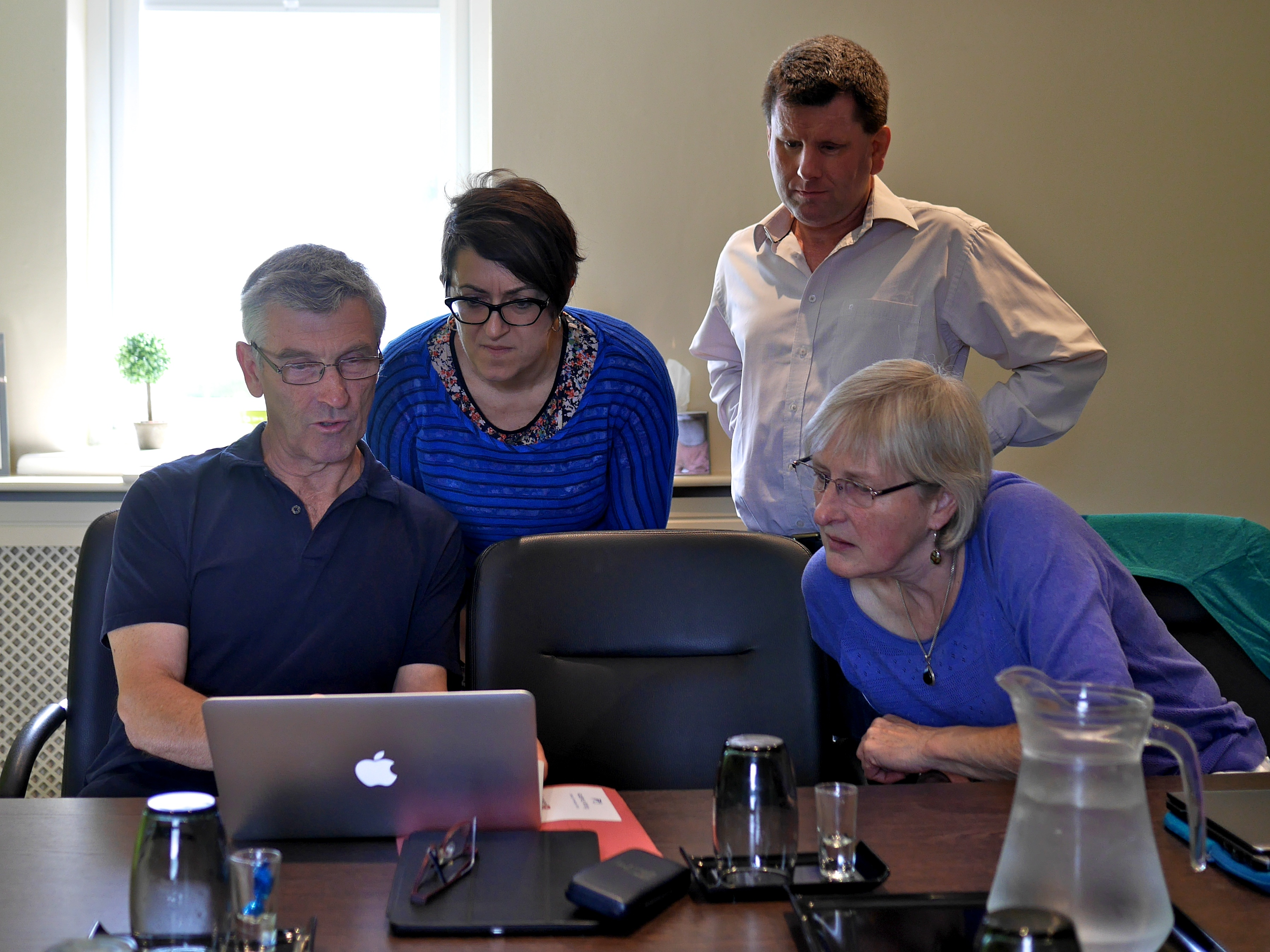 academic writing retreat the dynamics of knowledge creation a mathematician shows academics from history marketing and educational research how to use latex photo by greg myers