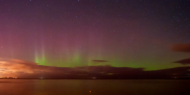 """Another night of aurora"" by Philip McErlean. CC BY-ND 2.0."