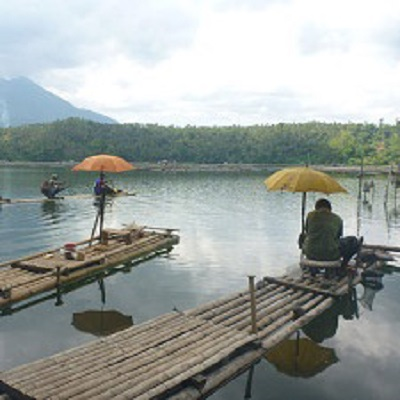 Assessing the sustainability of freshwater aquaculture in the Philippines using palaeolimnology 400 x 400 px