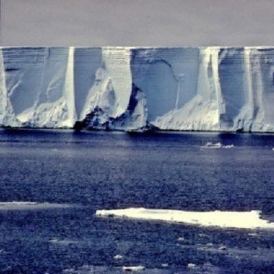 Ice-ocean interaction: effects of climate change on Antarctic ice-shelf dynamics