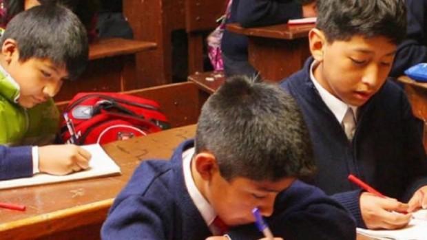 Alumnos de La Paz y Potosí a clases en horario de invierno