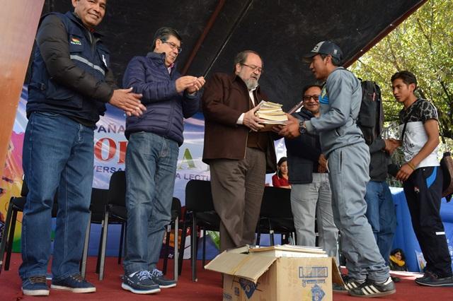 Bolivia se unió en jornada de recolección de libros