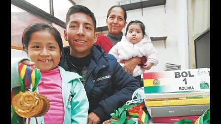 Seis bolivianos se batirán con 'genios' de las matemáticas en Rumania