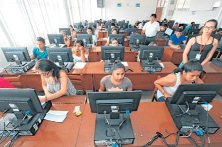 Más de 8.000 estudiantes buscan ingresar a la 'U'