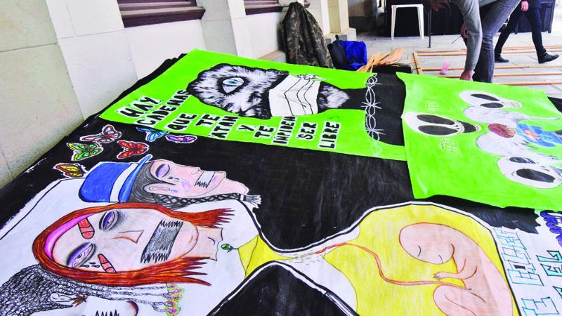 INF Jóvenes de Qalahuma exhiben 45 pinturas de su creación