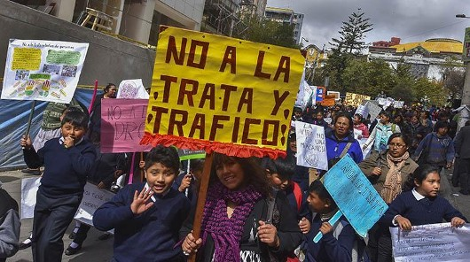 El Alto: capacitarán a 15 mil bachilleres contra la trata y tráfico de personas