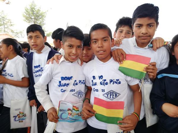 YPFB contribuye con el 48% de recursos para el Bono Juancito Pinto