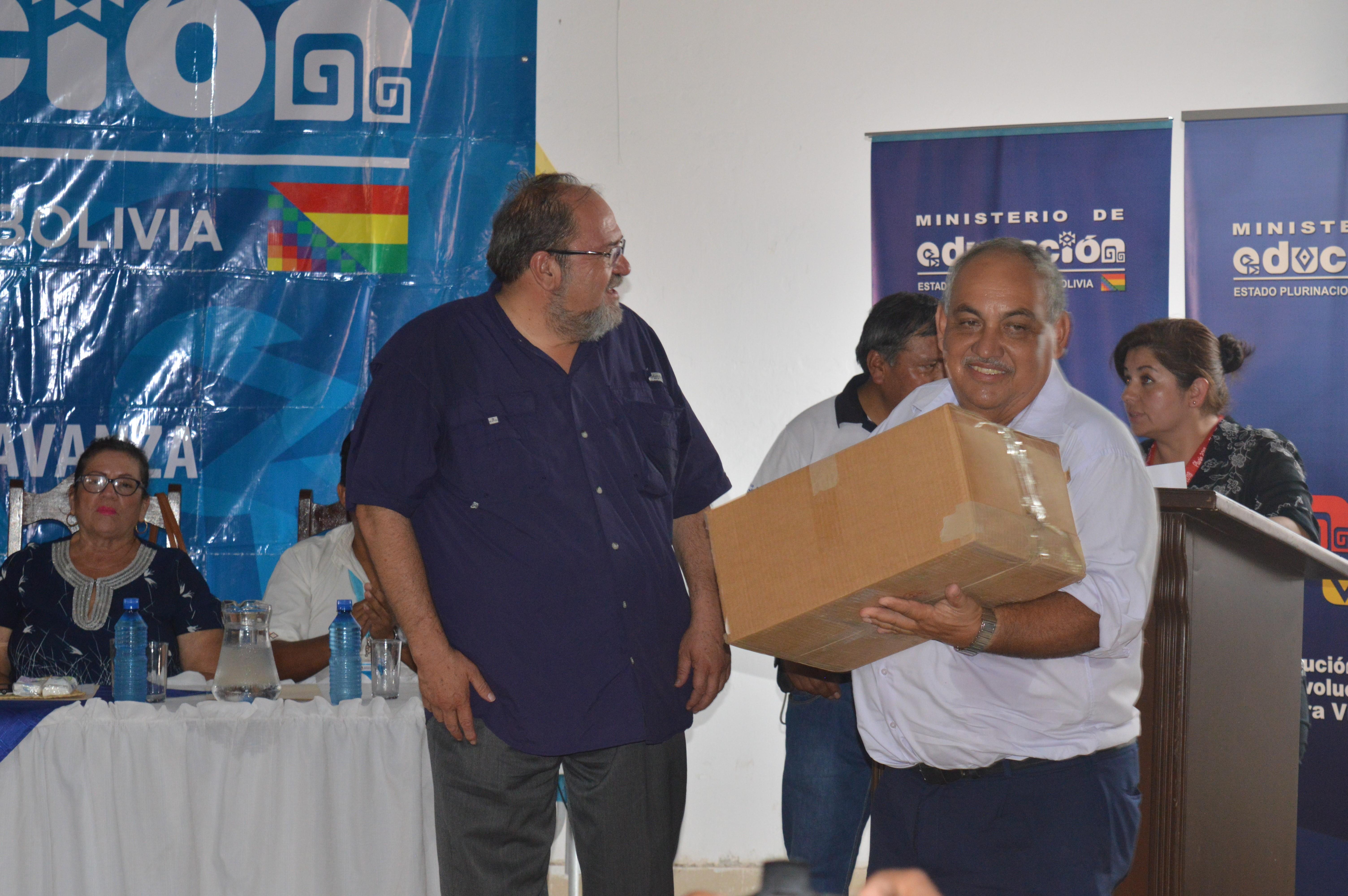 Educación entregó 174 paneles solares para unidades educativas de Trinidad