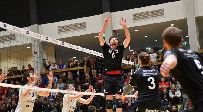 Volley League MEN / Hochspannung im Hexenkessel von Zwettl