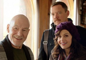 Tobi, at home with Mike (Matthew Lillard) and Lisa (Carla Gugino)