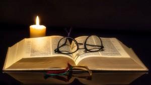 jesus Bible candle
