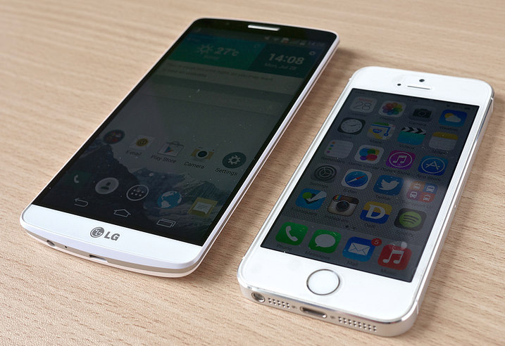 2014's LG G3 and iPhone 5S Photo credit: Janitors / Foter / CC BY