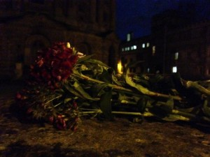 Flowers. Oxford, UK vigil for Orlando. Photo by Yvonne Aburrow. CC-BY-SA 4.0