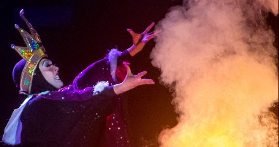 Fantasmic Evil Queen Casting a spell