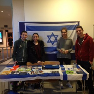 Jewish students in Nottingham 'Building Bridges' Credit: UJS