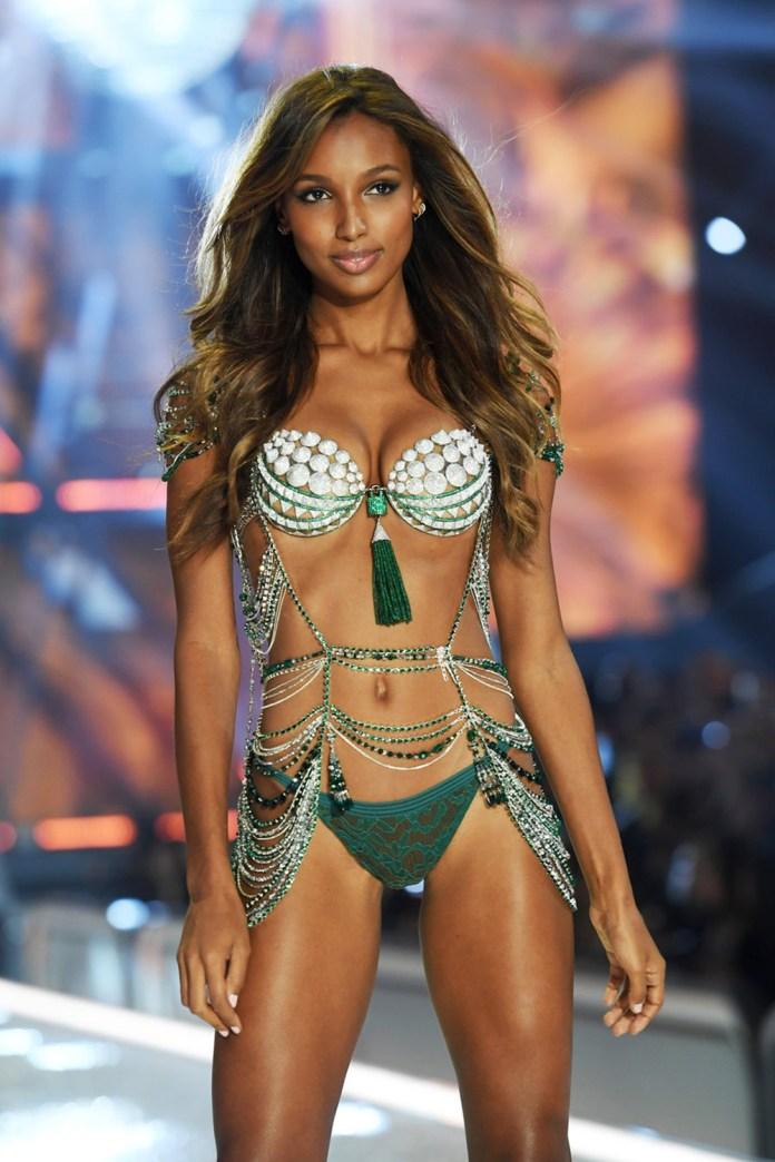 jasmine-tookes-victoria-secret-fashion-show-runway-nov-2016-billboard-1240