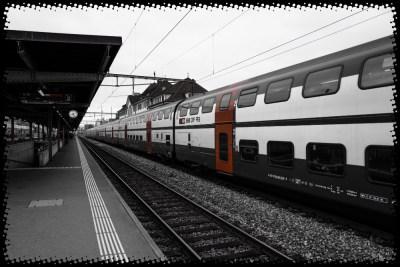 2016-40-Zugreise1-Warten