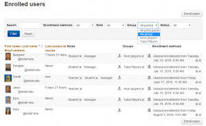 """Screenshot of enrolled moodle users with expanded """"Group"""" menu"""