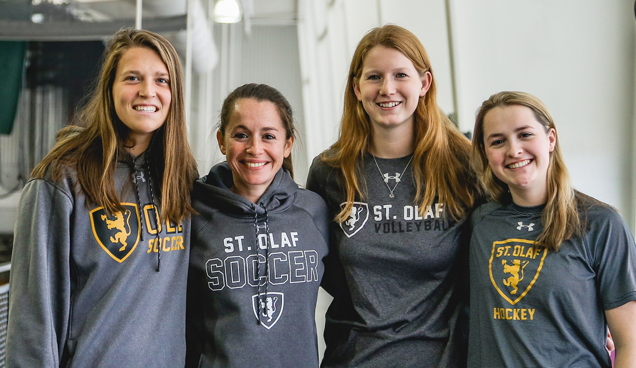 Claire Bash '20, Coach and Senior Woman Administrator Rachel Sushner, Emily Jarnigan '20, and Maddie Etienne '20