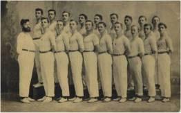 Professor George Black e alunos de ginástica do Turnerbund (atual SOGIPA). Década de 1910.