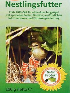 Sogenanntes Nestlingsfutter eignet sich NICHT zur Aufzucht von Wildvögeln, © Anke Dornbach