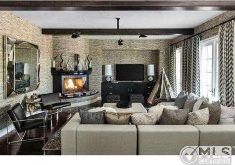 Kourtney Kardashian Lists Boldly Decorated Home for $3.499 ...