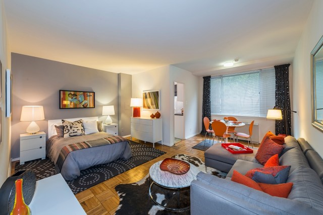 This 480 Square Foot Studio Apartment Has It All Granite Countertops And Stainless Steel Liances A Spa Like Bath Ious Open Concept Living