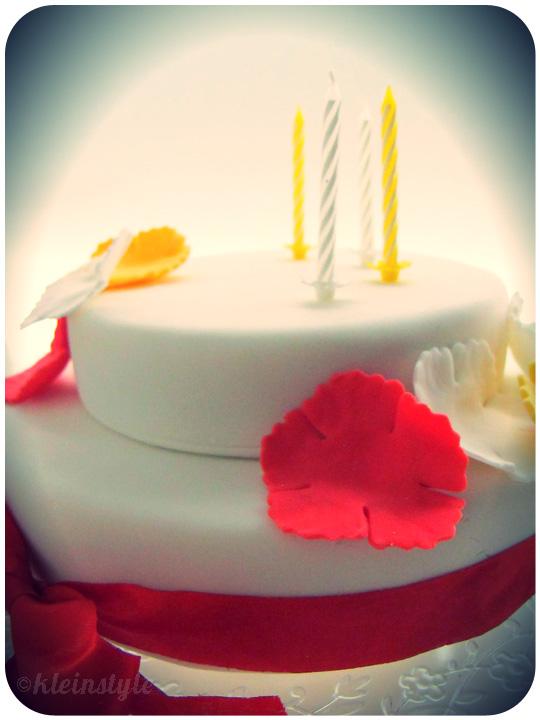 Aloha-cake-white by ©kleinstyle.com