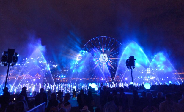 When will Disneyland bring back 'Fantasmic' and 'World of Color'?