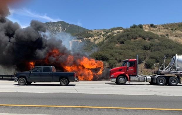Brush fire in Cajon Pass threatening neighborhoods