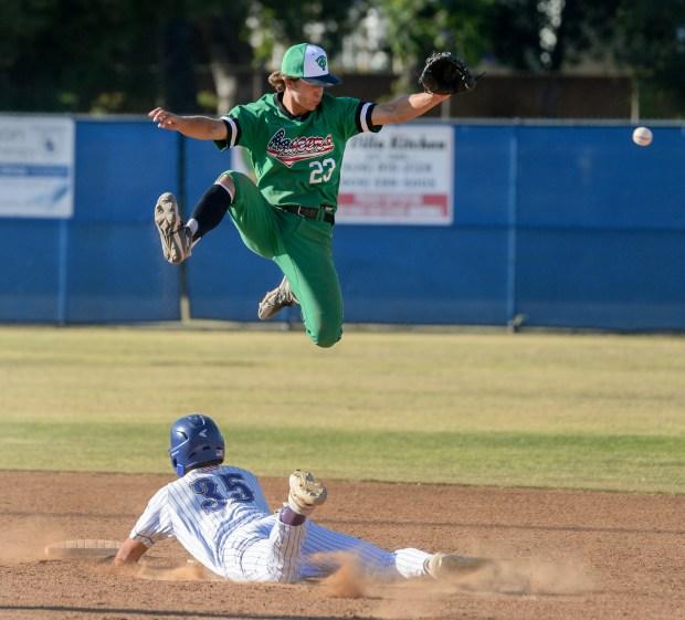 Thousand Oaks' Max Muncy headlines 2021 Daily News All-Area baseball team