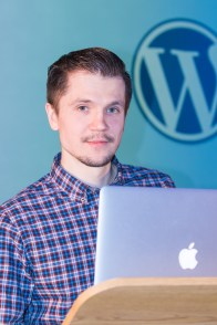 Dmitry Mayorov at WordCamp London 2016-3891