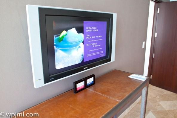 Hyatt Regency Cancun - Eternity Suite - TV bedroom